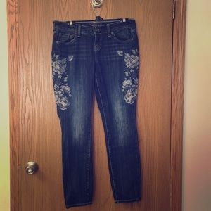 Torrid Size 10 embroidered skinny jean